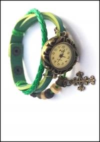 Часы наручные женские с зеленым плетеным браслетом