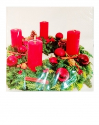 Салфетки рождественские. Венок со свечами