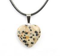 Кулон в виде сердца из природного камня. Яшма далматиновая