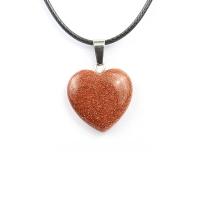 Кулон в виде сердца из природного камня. Авантюрин